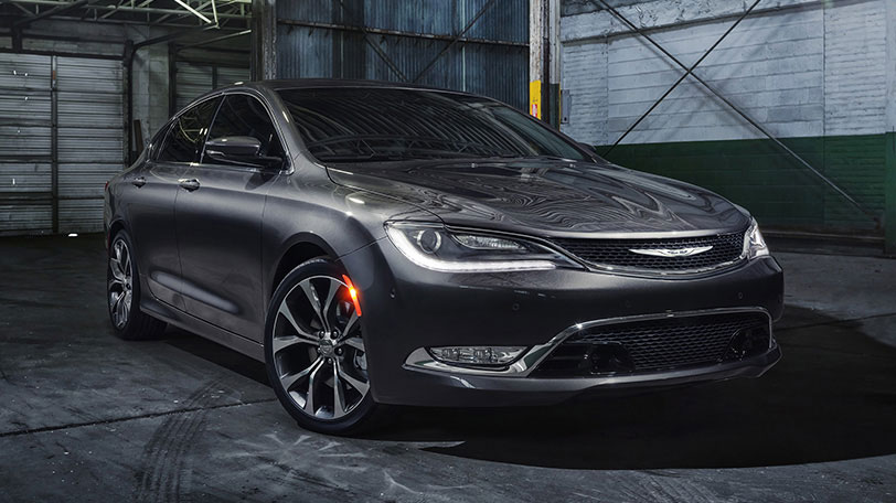 Chrysler_200_Front
