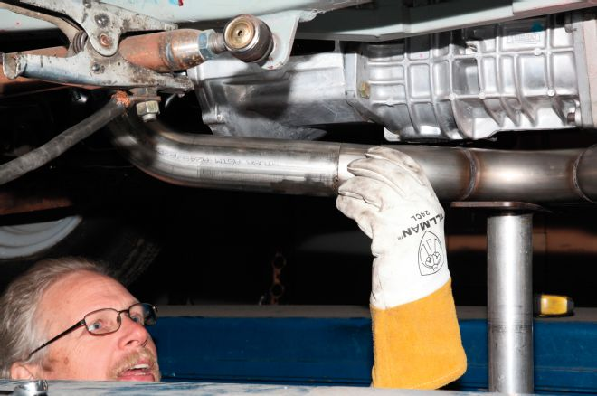checking-fitment-of-exhaust-tubing