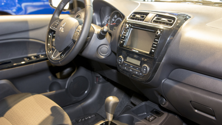Mitsubishi Mirage Hatchbak interior